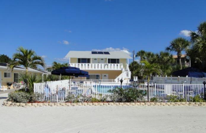 White Sands Beach Resort On Anna Maria Island Tropical